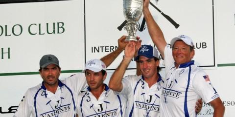 Valiente-2015 US Open winner-(L-R)-Adolfo Cambiaso, Guillermo Terrera, Alejo Taranco and Bob Jornayvaz.