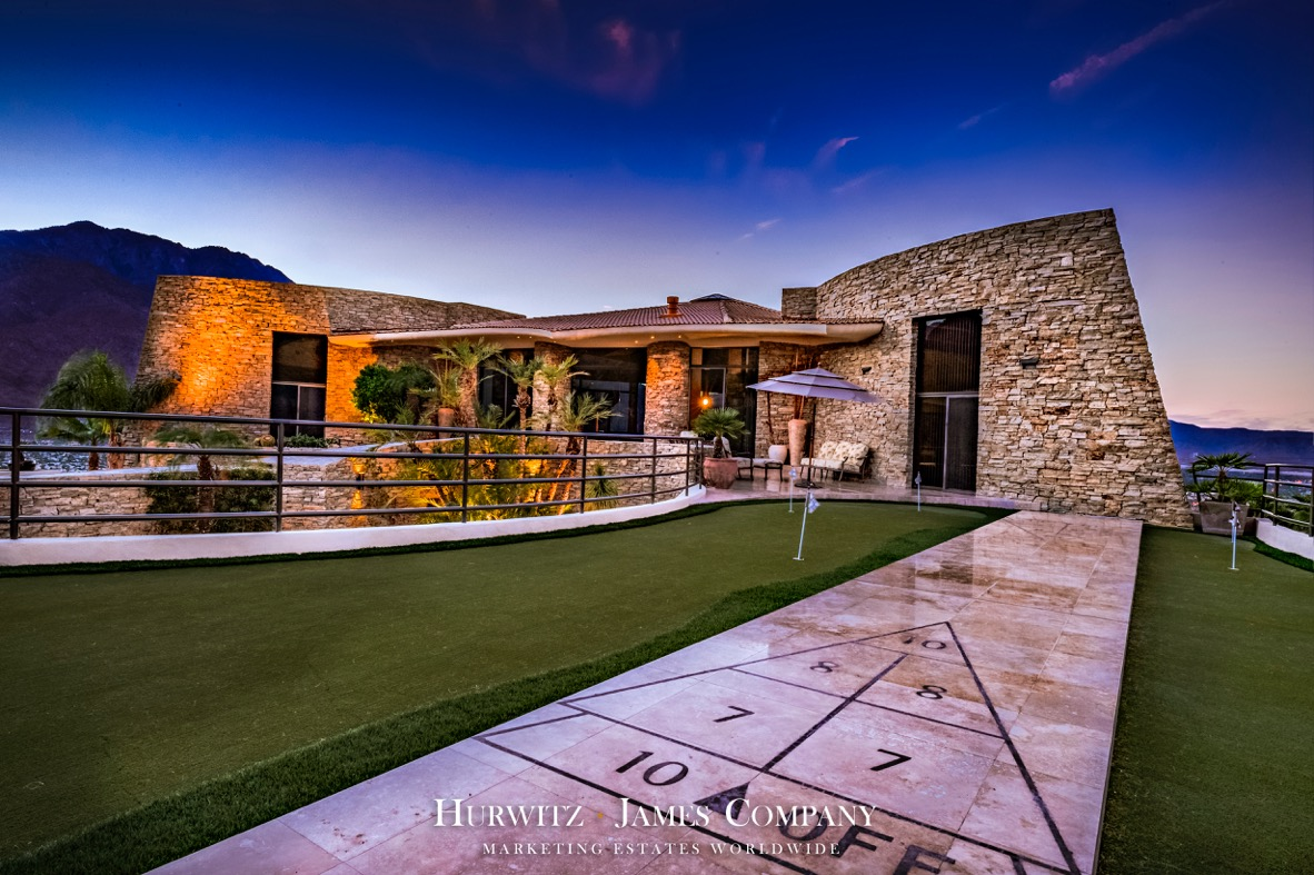Modern masterpiece in the palm springs hills polozone for Beautiful homes and great estates pictures